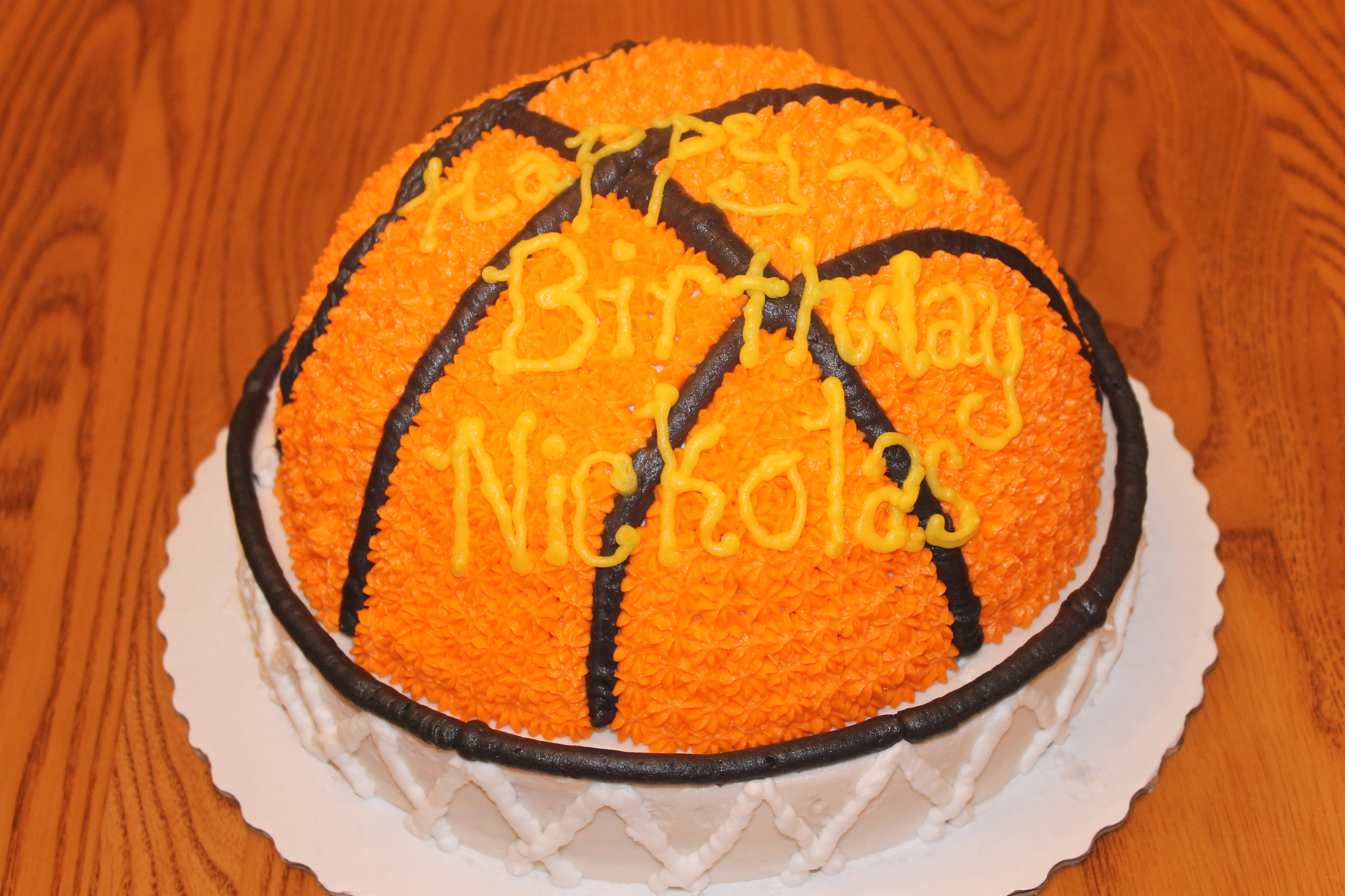 Basketball cake pixie cakes
